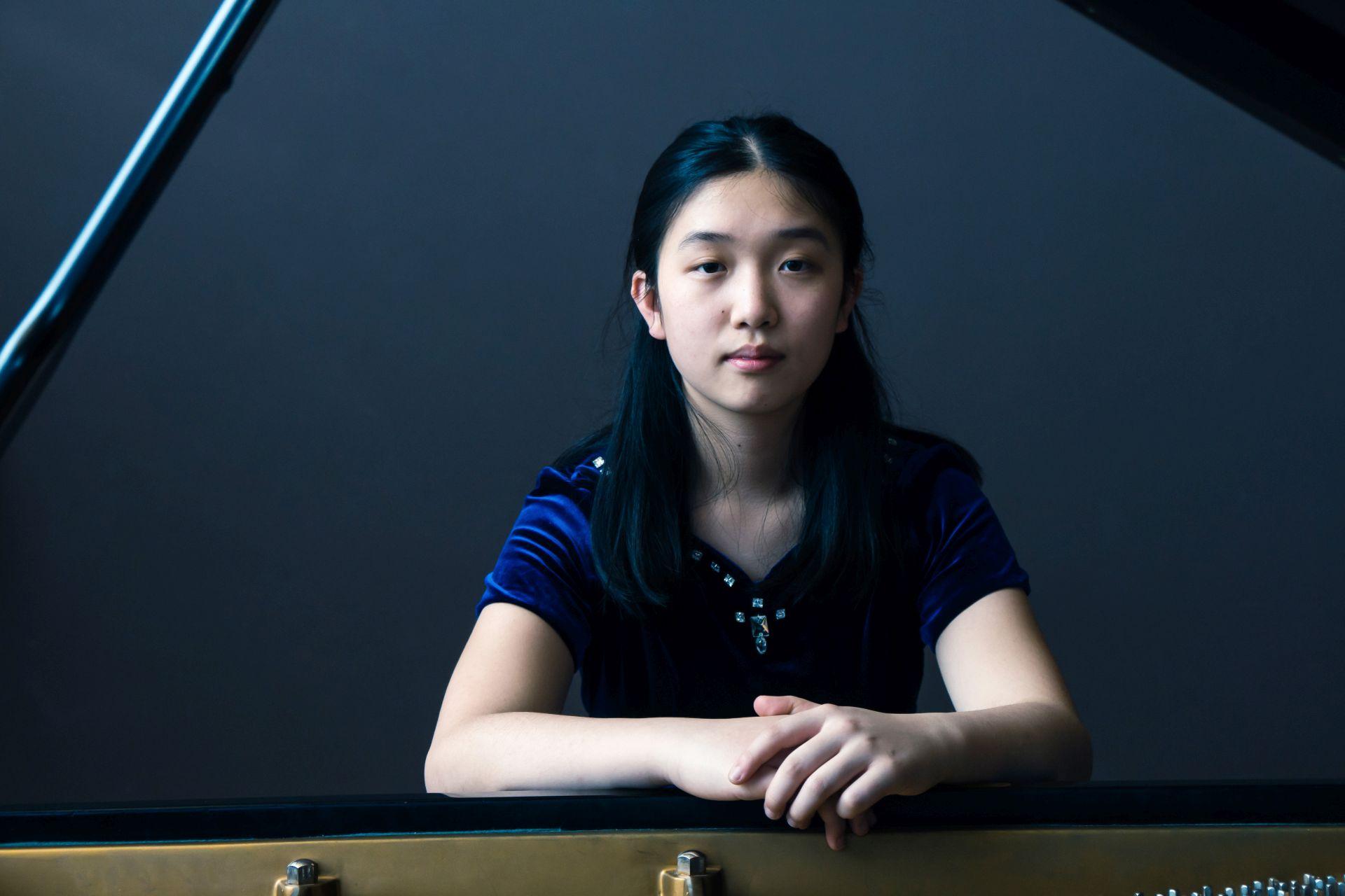 Lauren Zhang