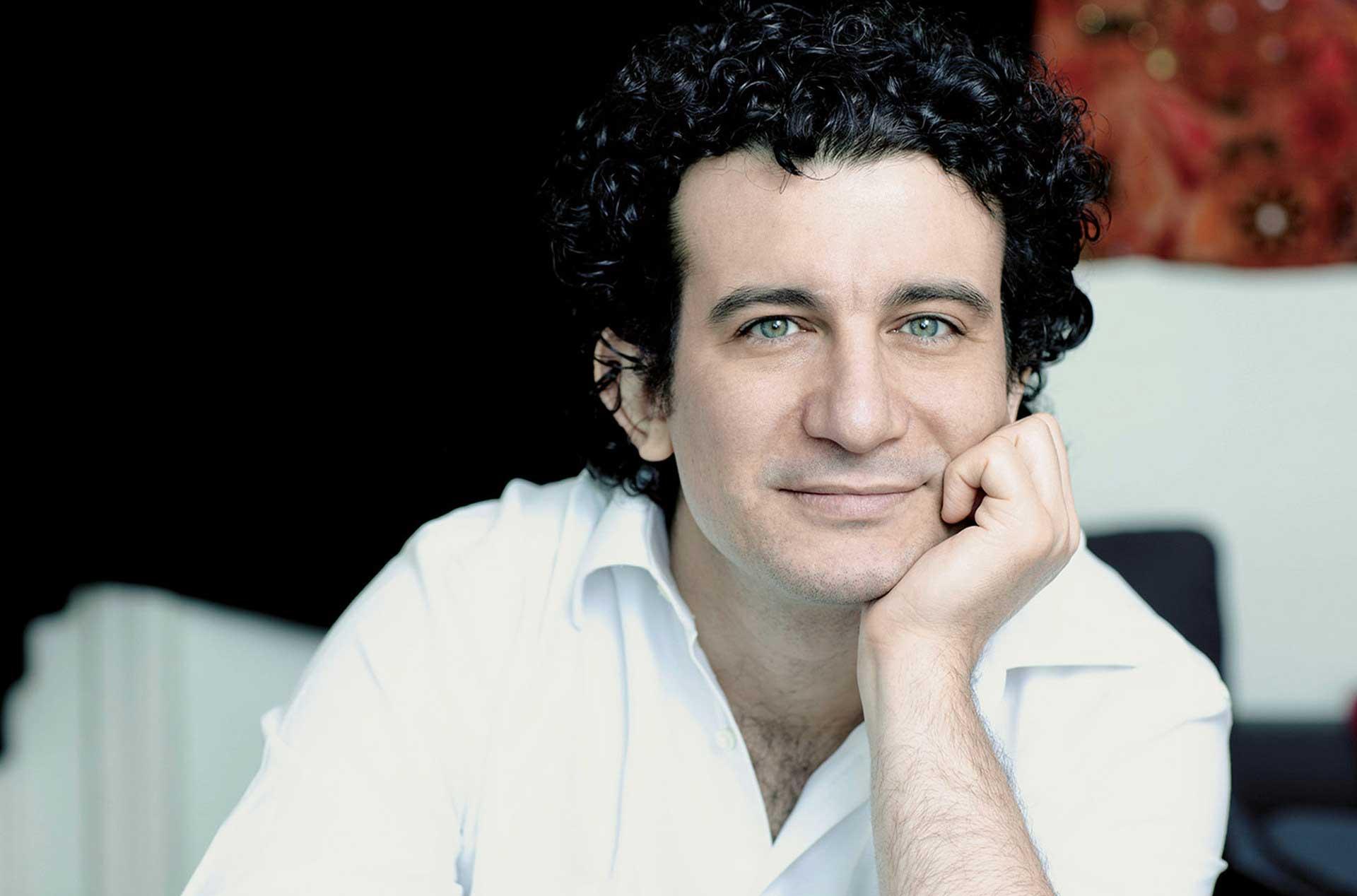 Alain Altinoglu (Conductor)